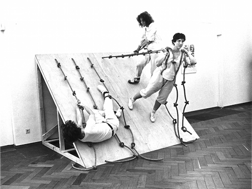 Simone Forti, Huddle (Stedelijk Museum)